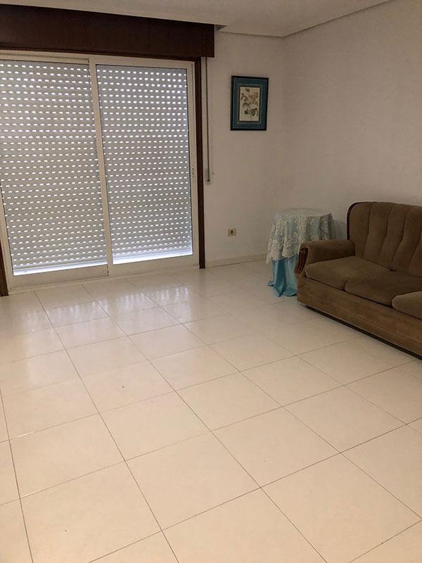 piso de cuatro habitaciones redondela