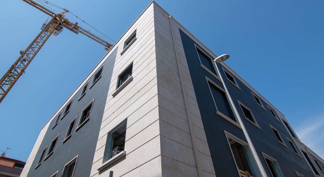 edificio nuevas viviendas redondela